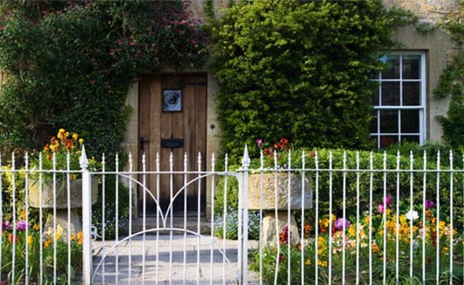 Fences to Stop Door to Door Salesmen